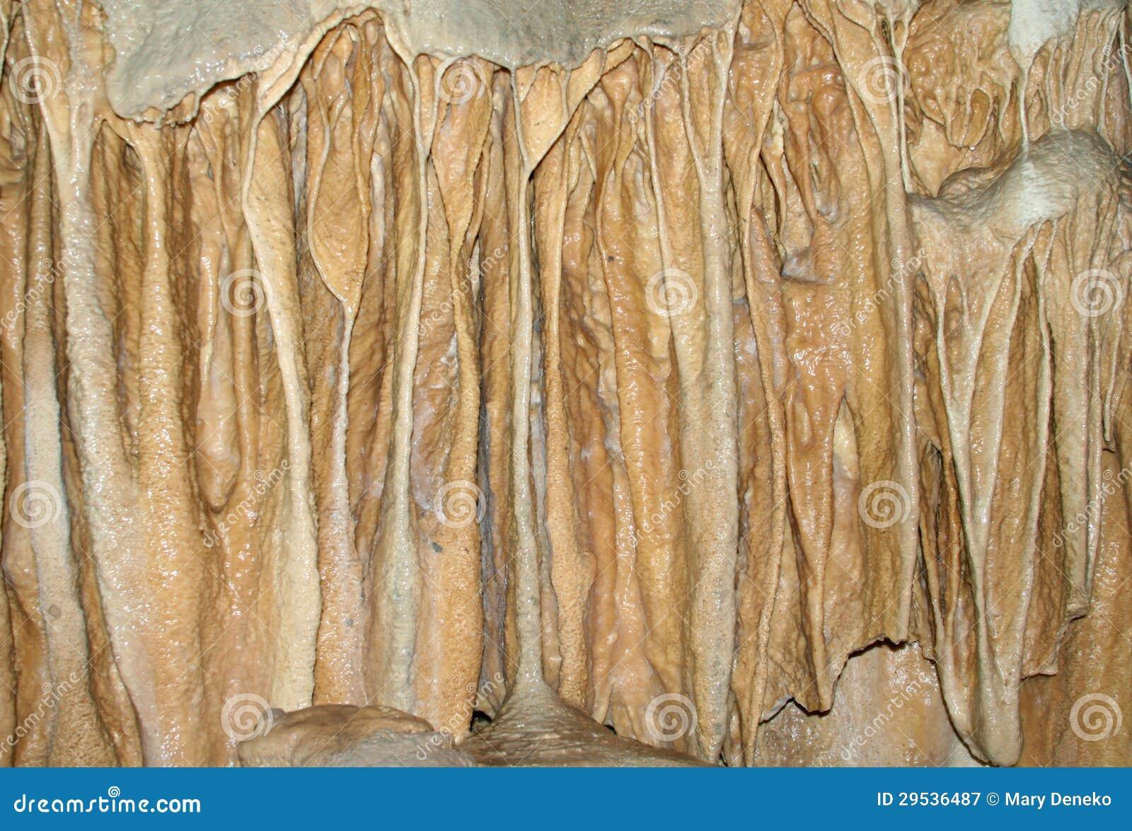Stalactites e stalagmites