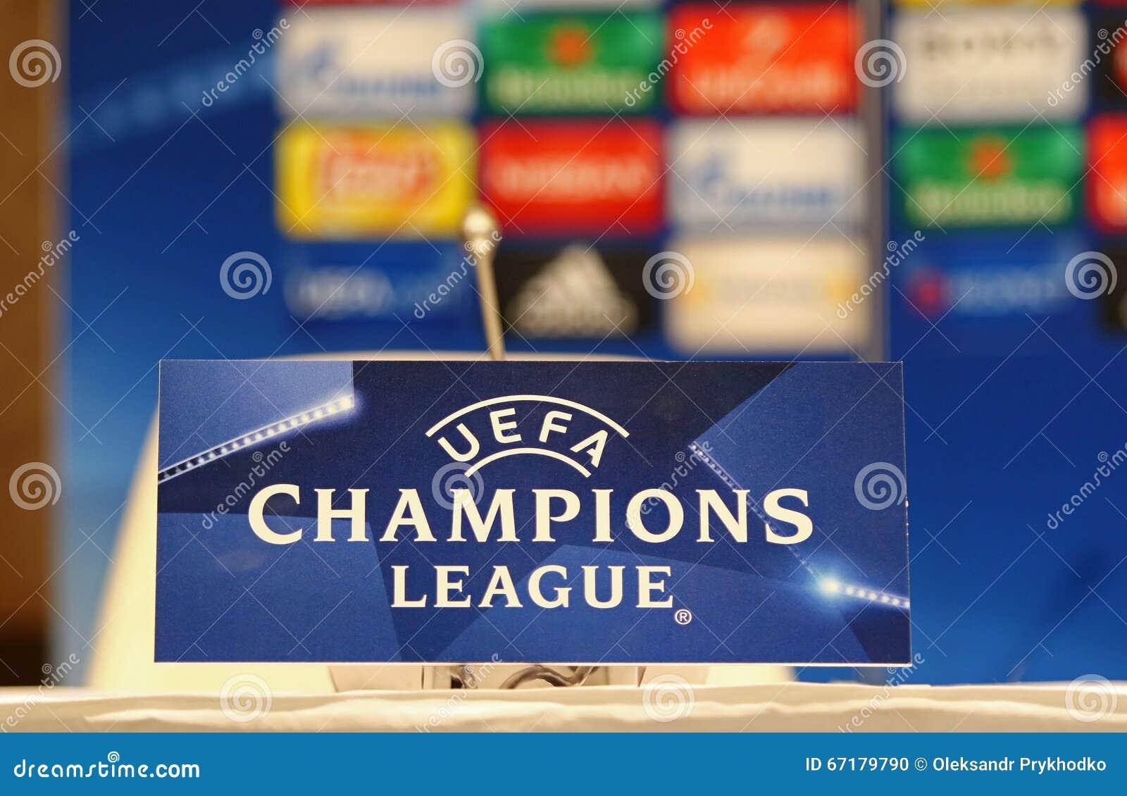 Stampa-conferenza prima della dinamo Kyiv v del gioco della lega di campioni di UEFA