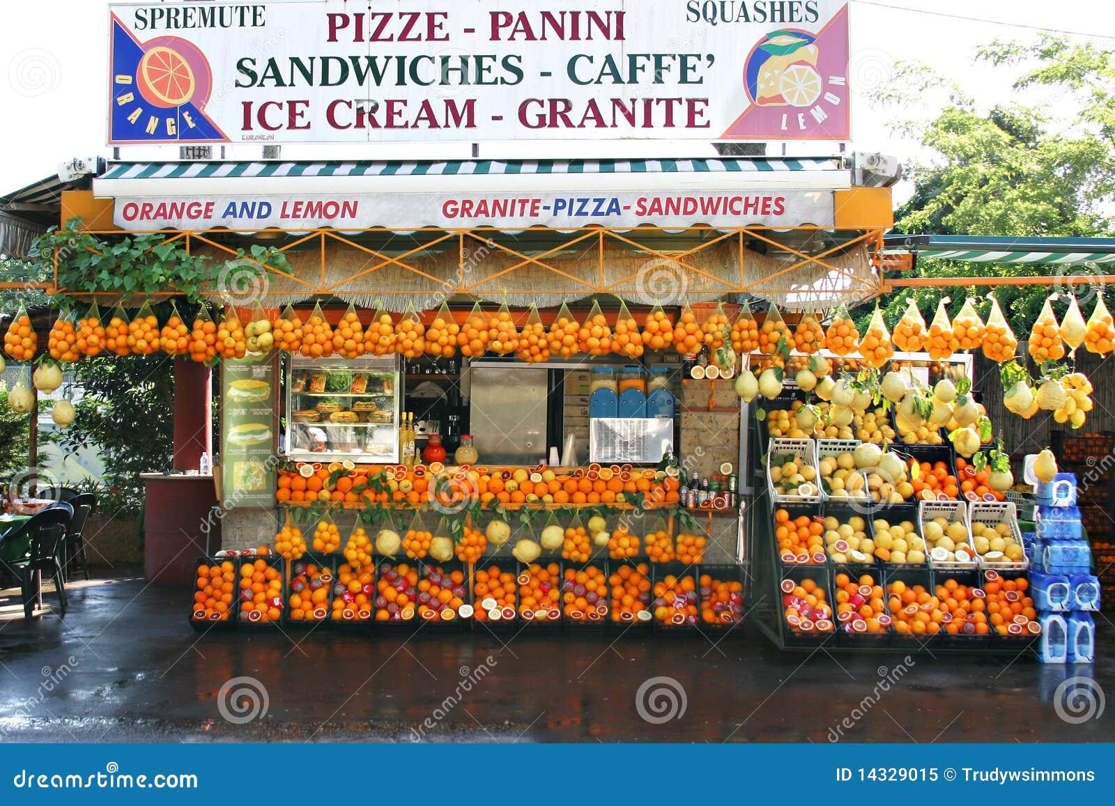 Stand de fruit et de sandwich, Italie méridionale