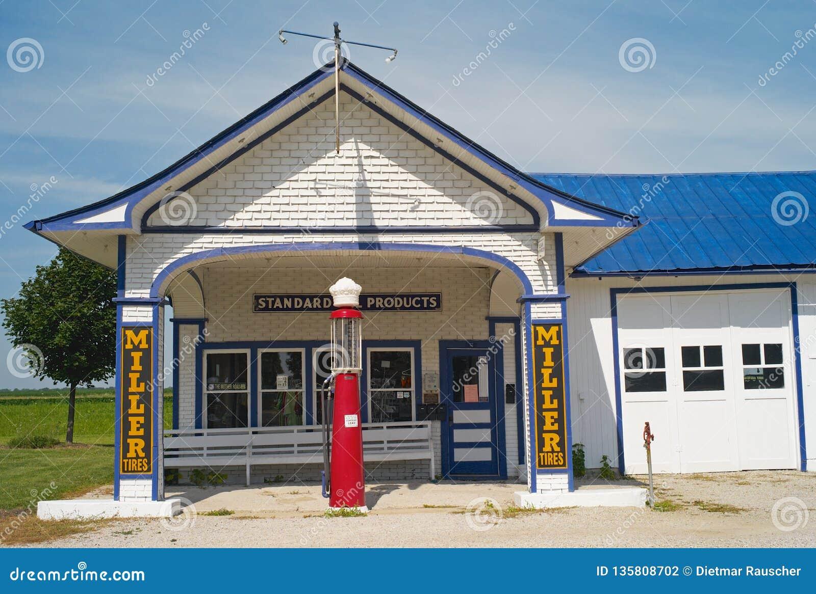 Standard oljabensinstation på Route 66 i Odell, Illinois