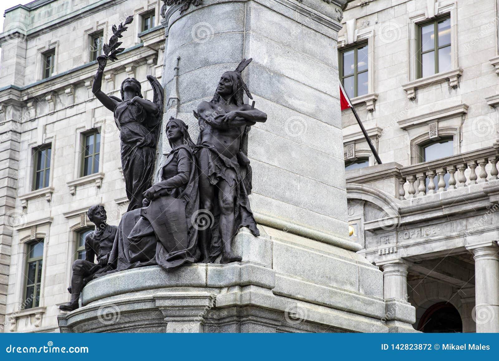 Standbeeld van Francois Xavier de Montmorency Laval, met inheemse Indiërs en kolonialist onderaan