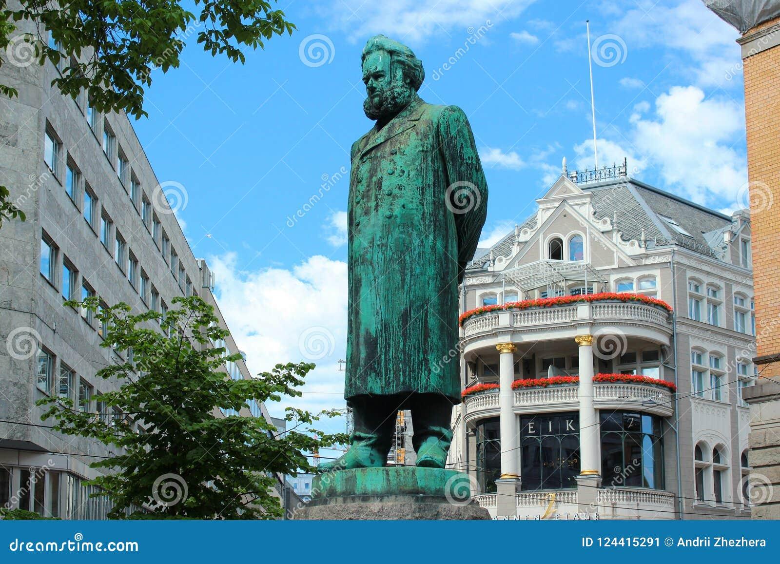 Standbeeld van Henrik Ibsen in Oslo, Noorwegen
