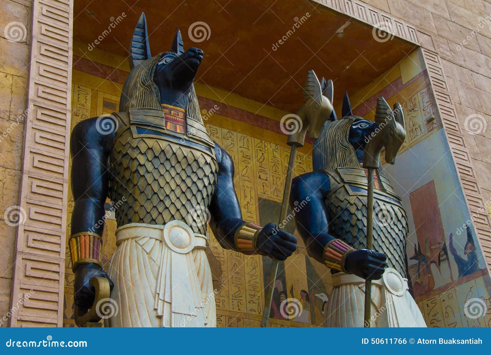 Standbeeld van het het Beeldhouwwerkbeeldje van Anubis van de paar het Egyptische oude kunst