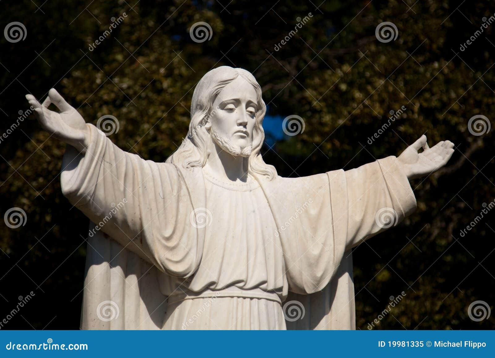 Standbeeld van Jesus met uitgestrekt