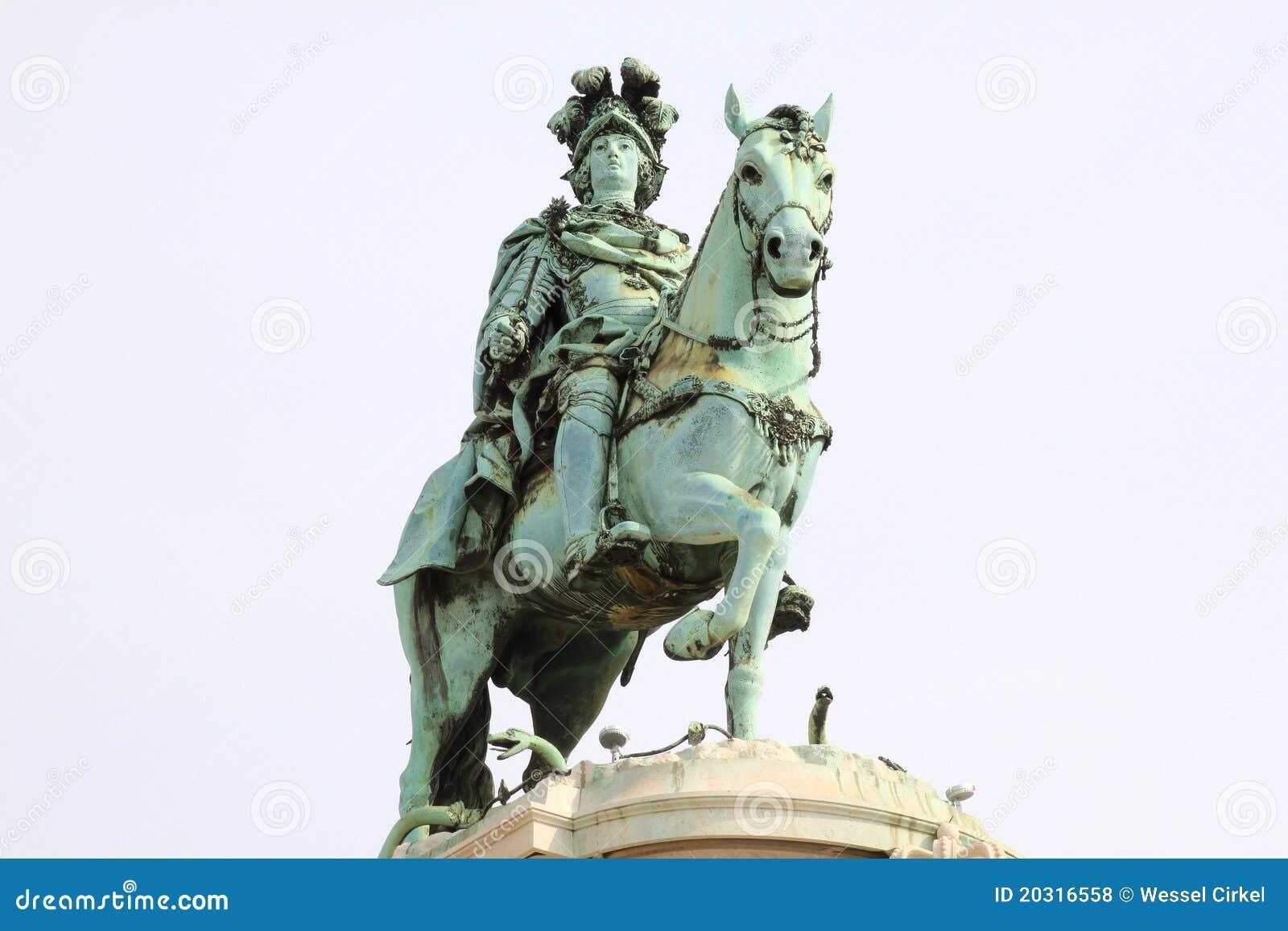Standbeeld van Koning José I bij het Vierkant van het Paleis in Lissabon