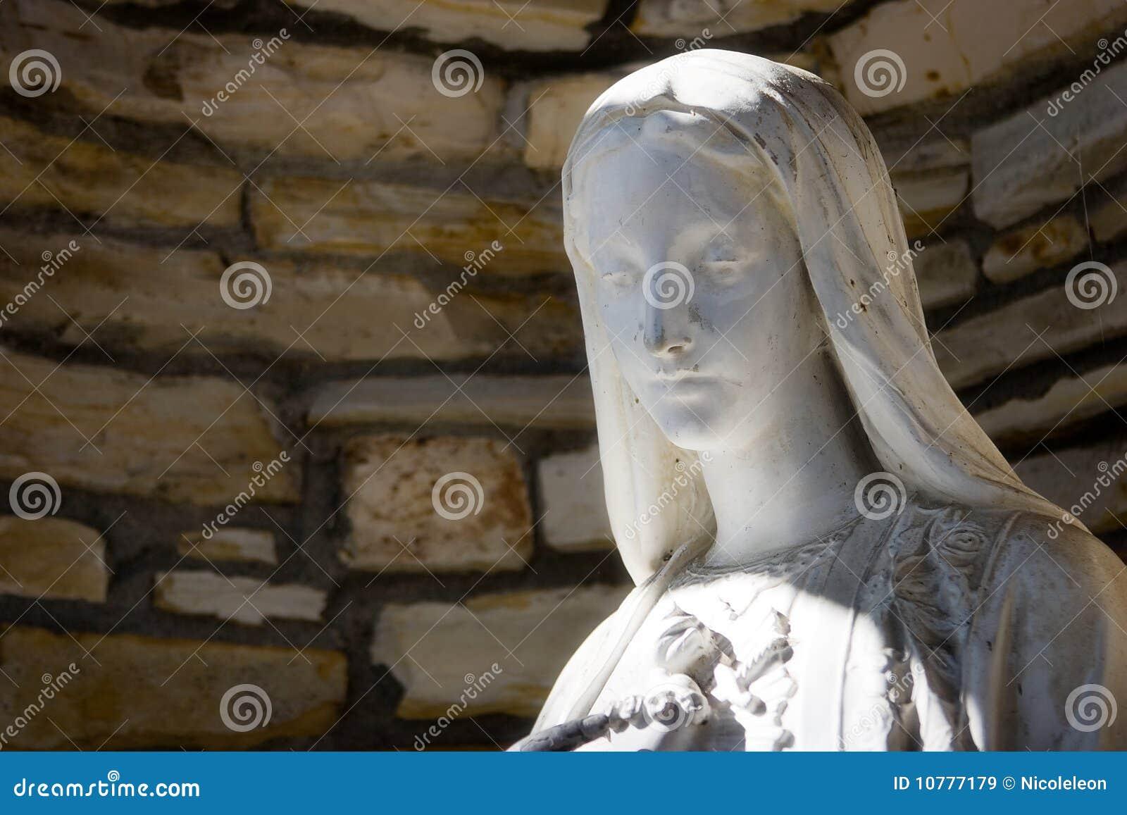 Standbeeld van Maagdelijke Mary