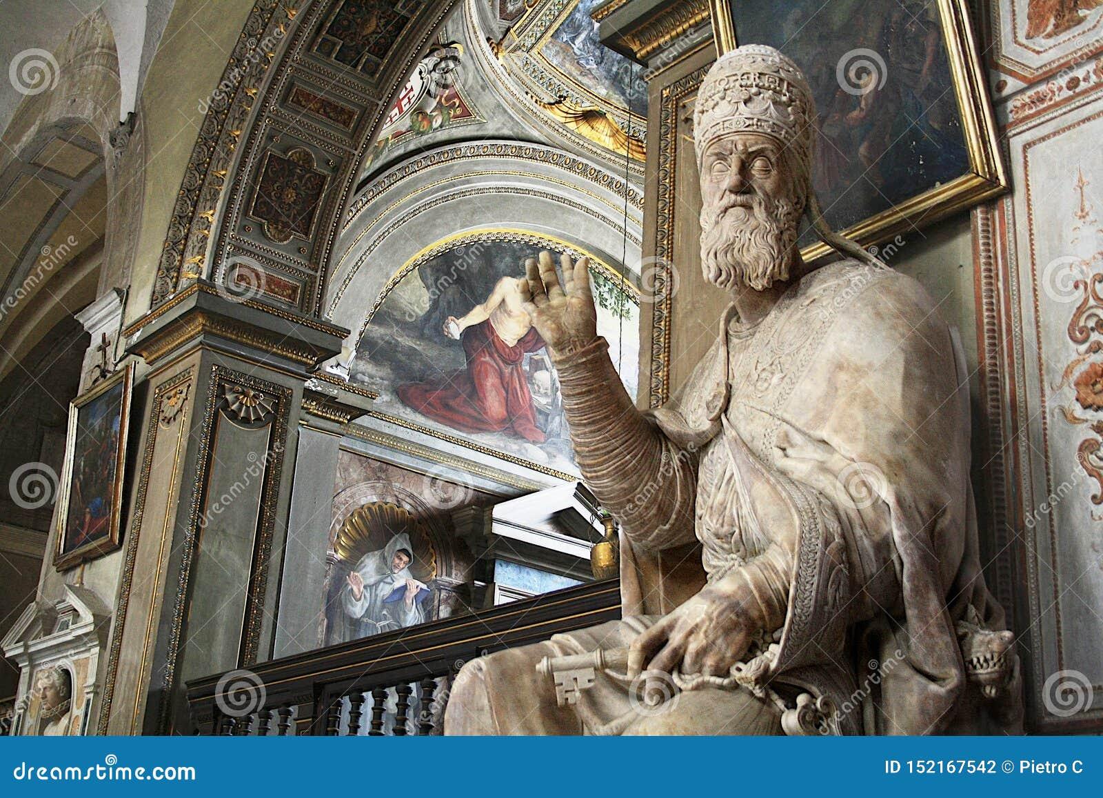 Standbeeld van Paus Gregorius XIII - Rome