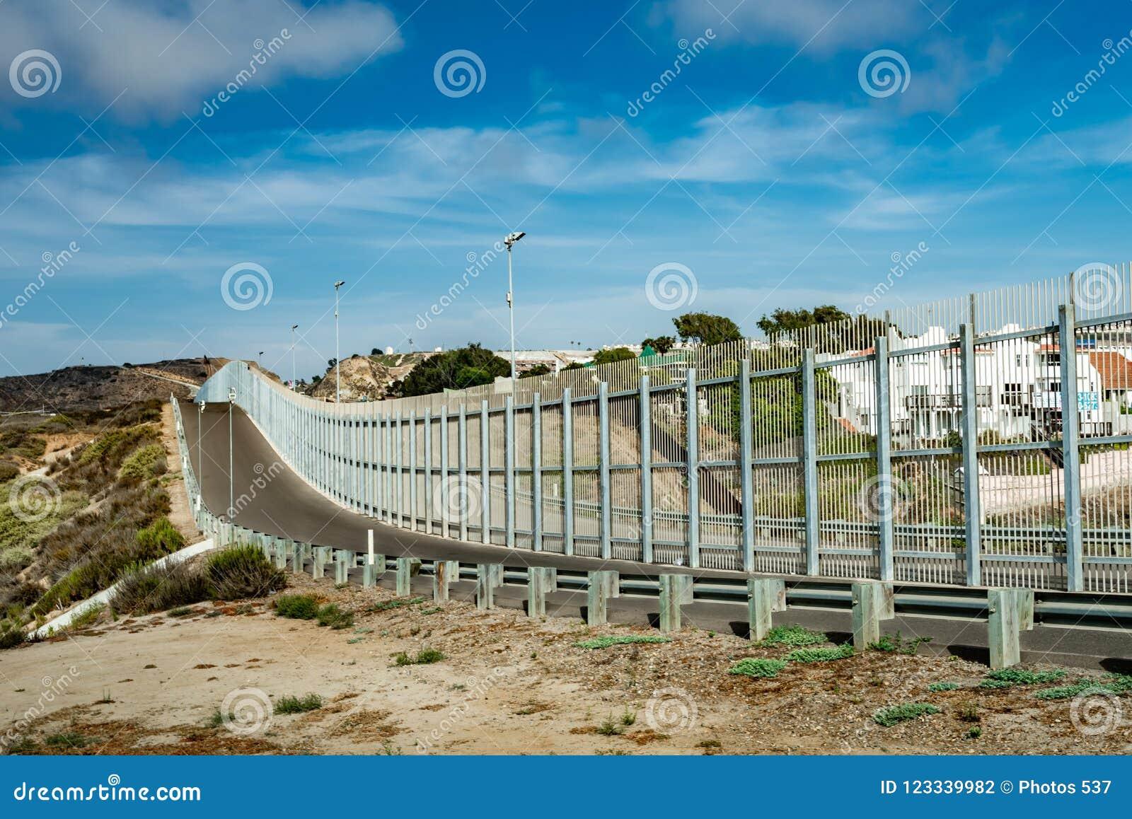 Stany Zjednoczone granicy ściana z Meksyk w Kalifornia