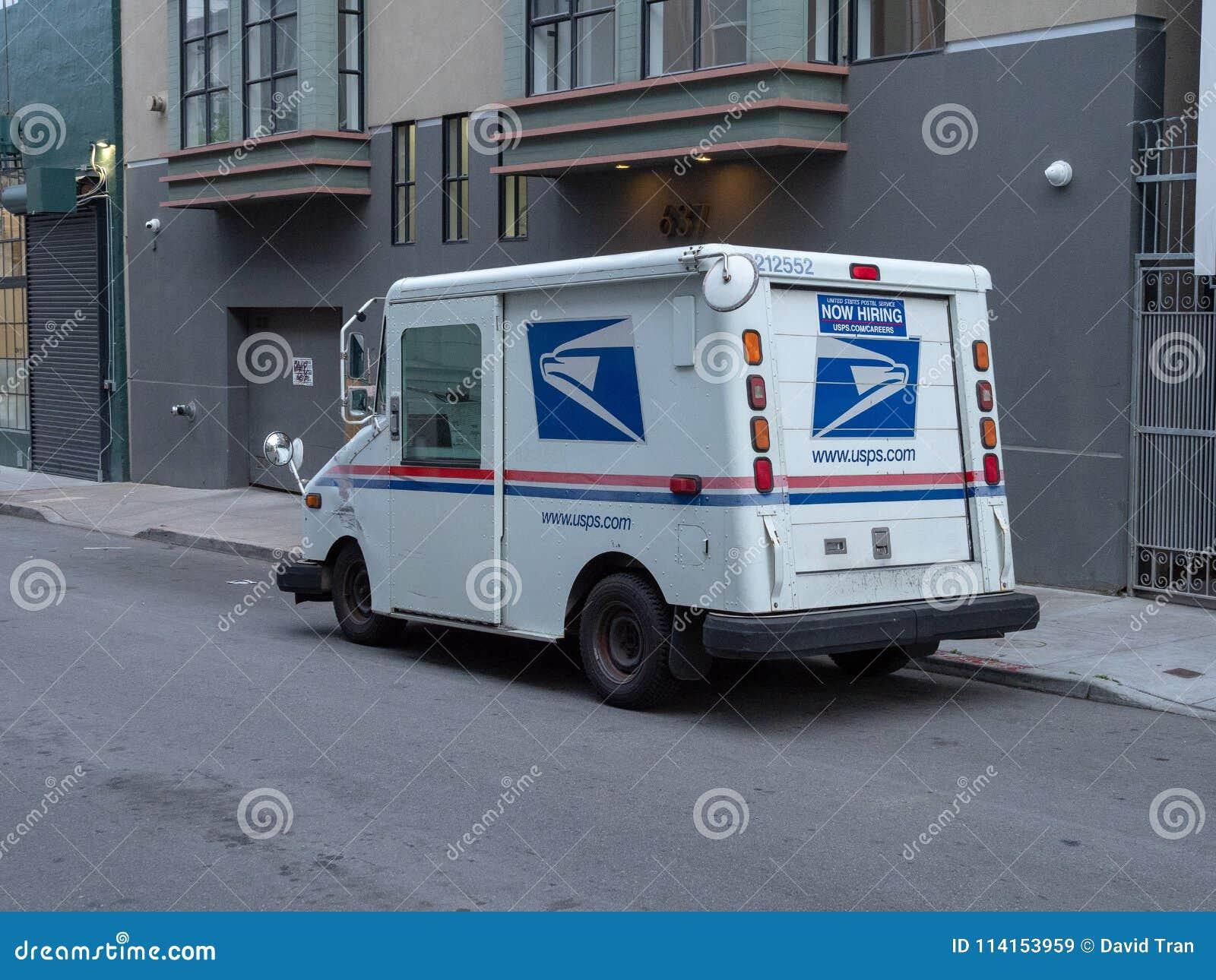 Stany Zjednoczone usługi pocztowe doręczeniowa ciężarówka w mieście