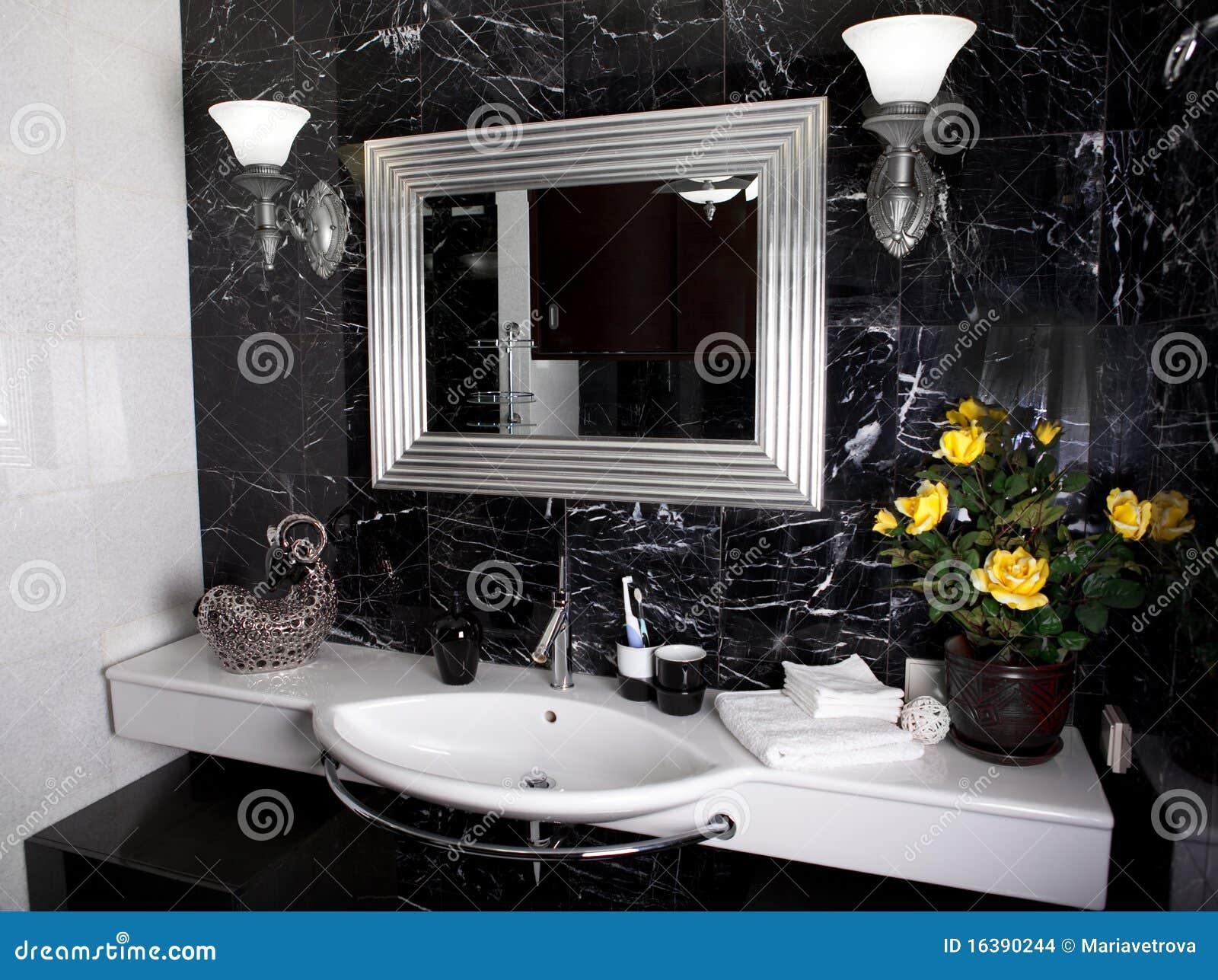 Favoloso Stanza Da Bagno In Bianco E Nero Fotografia Stock - Immagine: 16390244 CH59