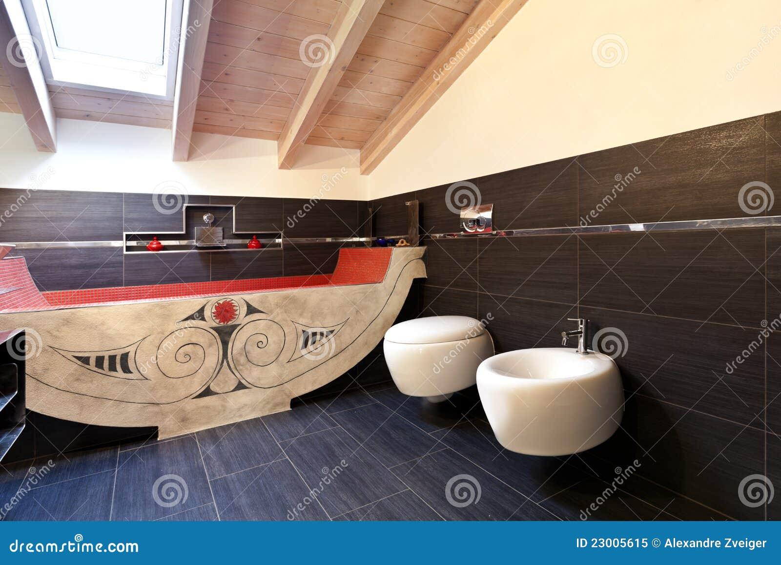Stanza da bagno con il bagno etnico immagine stock immagine di