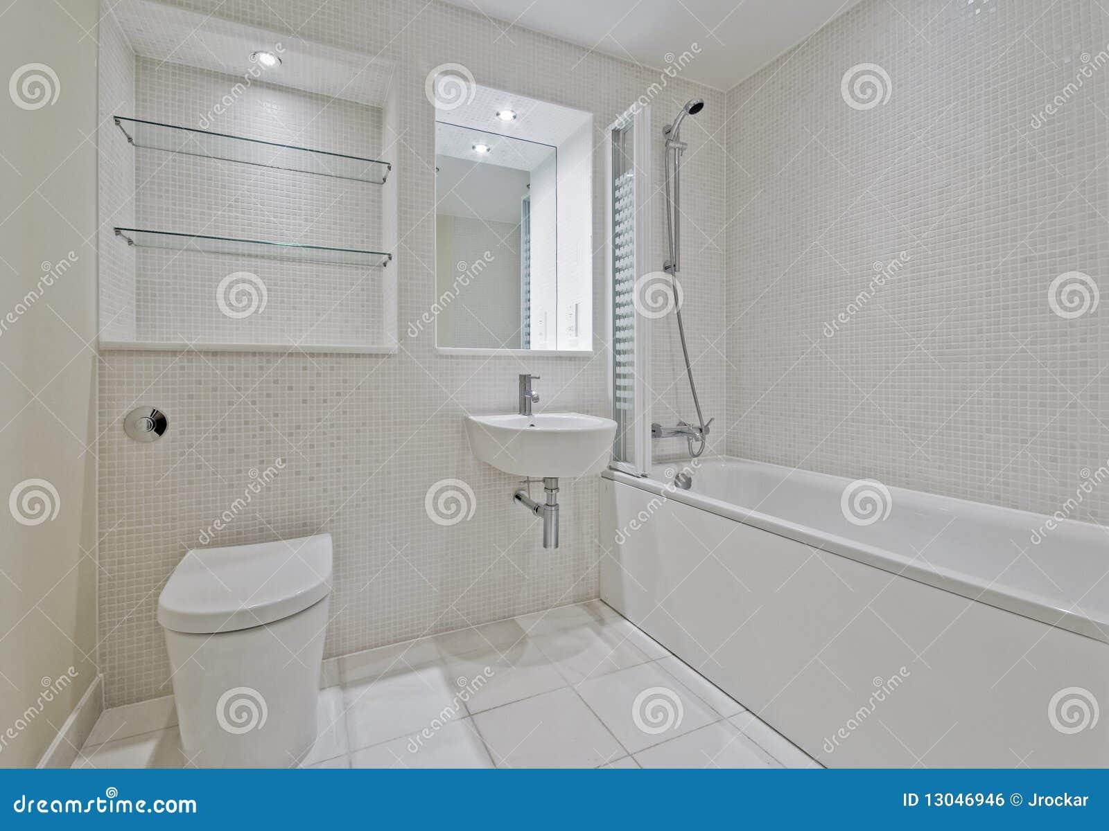 Stanza da bagno con le mattonelle di mosaico fotografia stock immagine di ceramic rubinetto - Prezzi mattonelle bagno ...