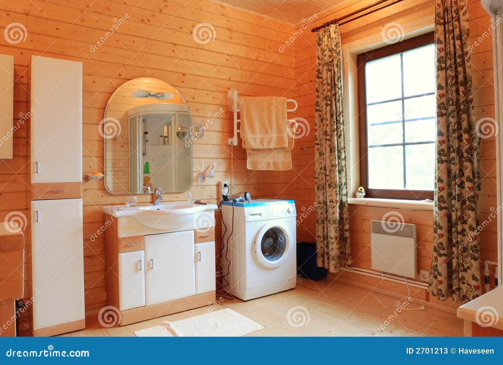Stanza da bagno di legno immagine stock immagine di for Stanza da bagno