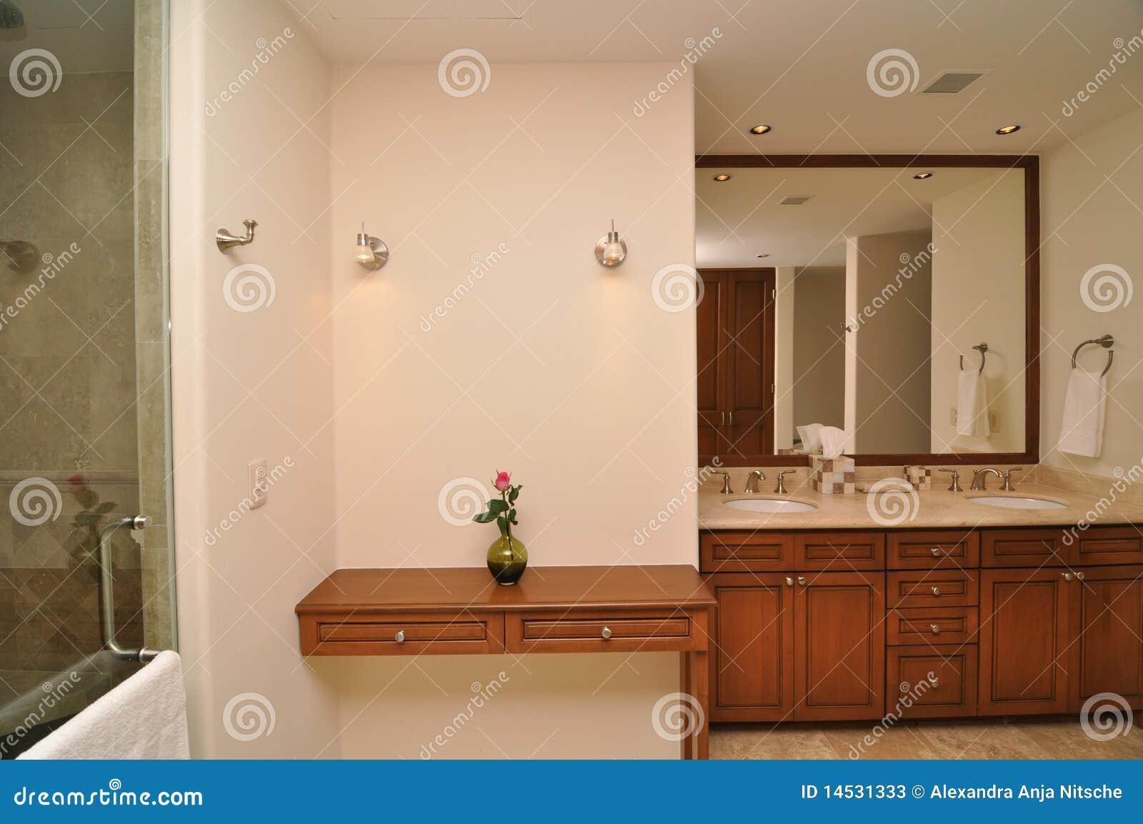 Stanza Da Bagno Di Marmo Elegante Fotografie Stock - Immagine: 14531333