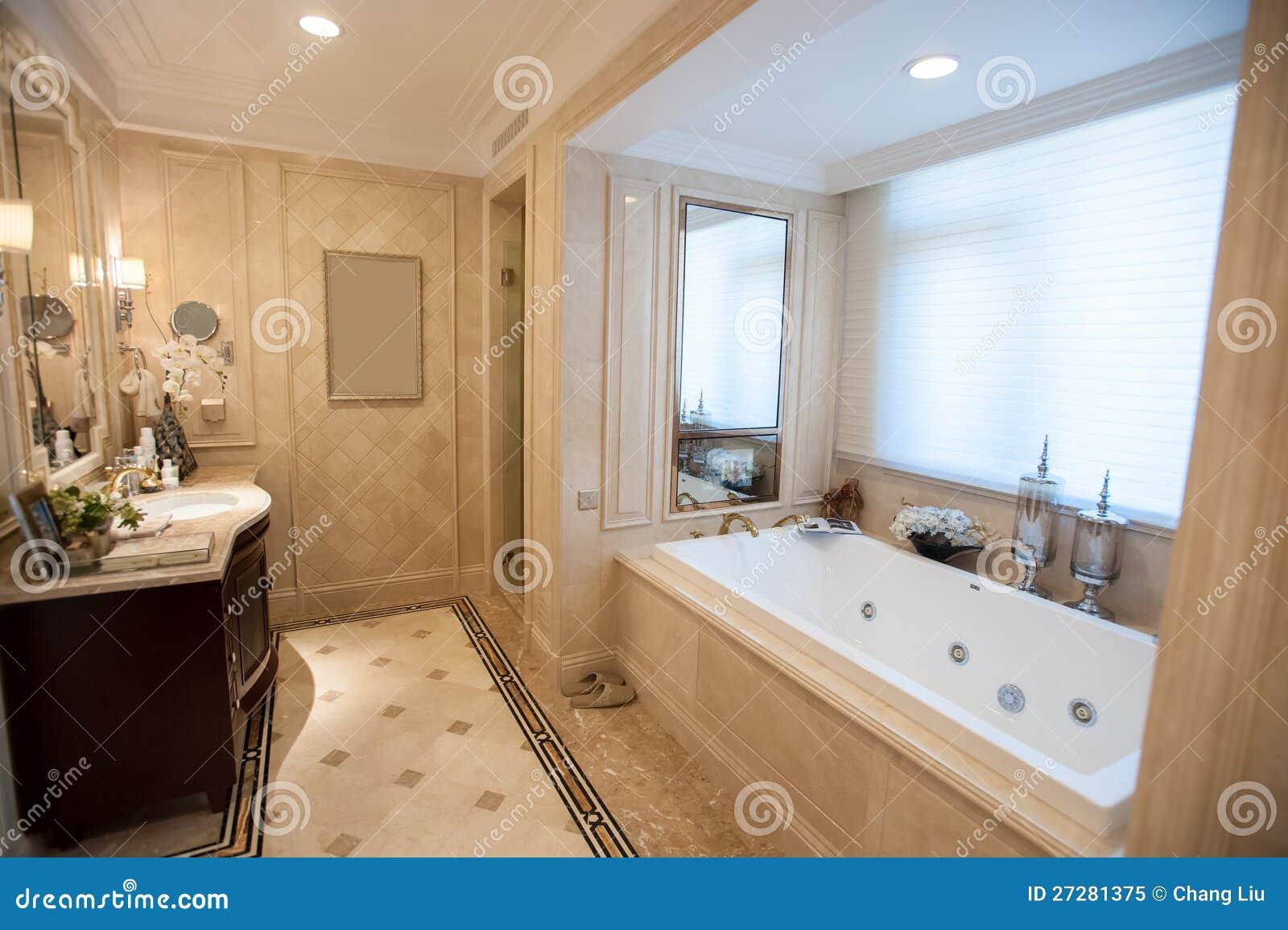 Stanza da bagno di marmo giallo chiaro immagine stock - Bagno di marmo ...