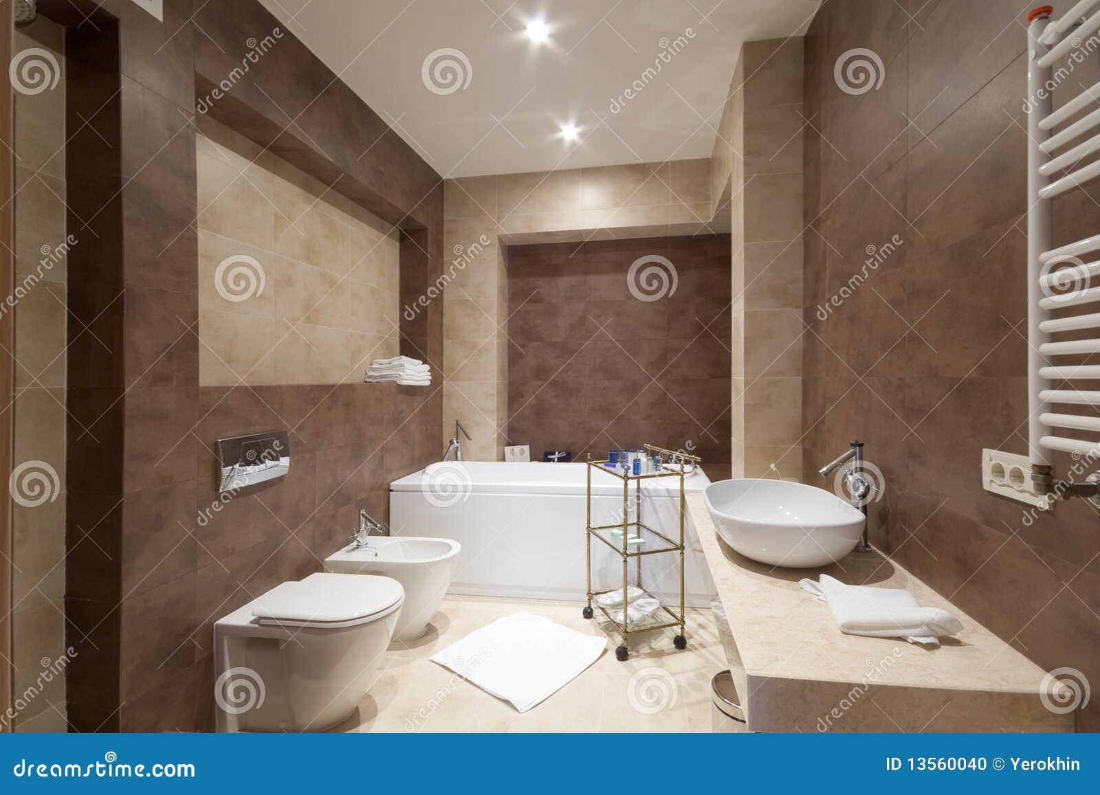 Stanza da bagno di omfortable fotografia stock immagine for Stanza da bagno