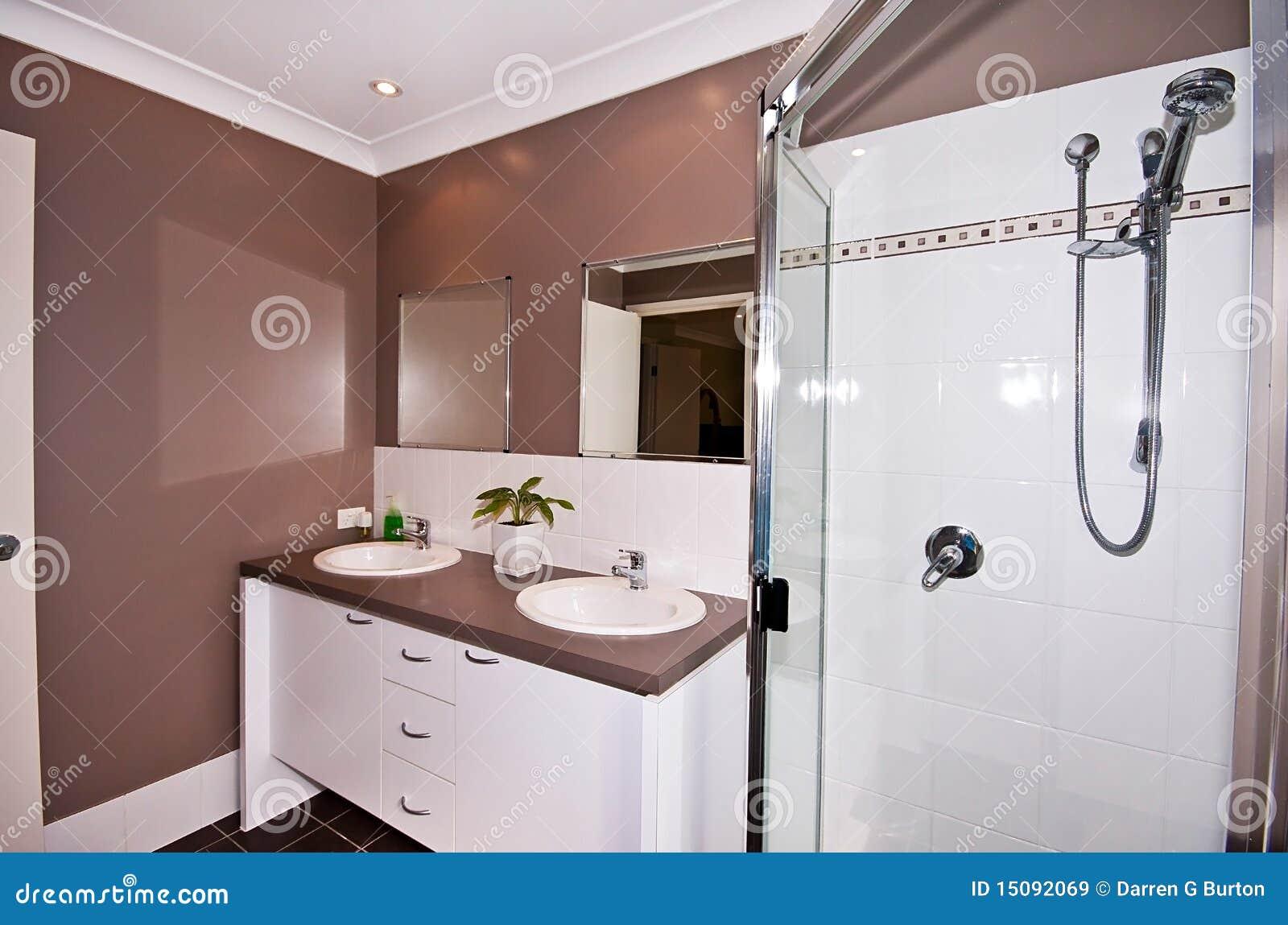 Stanze Da Bagno Piccole : Stanza da bagno di vanità immagine stock. immagine di mattonelle