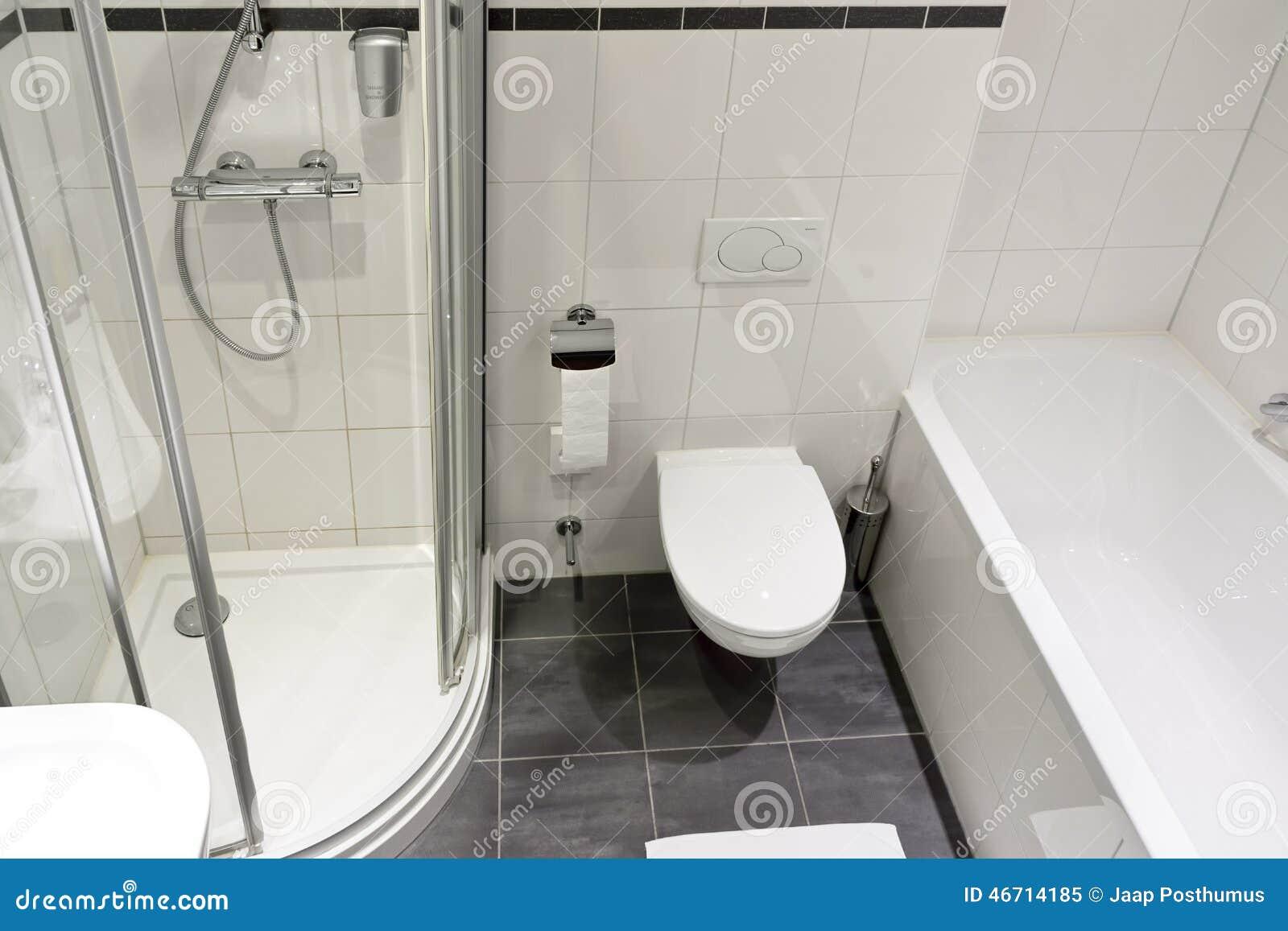 Stanza da bagno moderna dell hotel immagine stock immagine di
