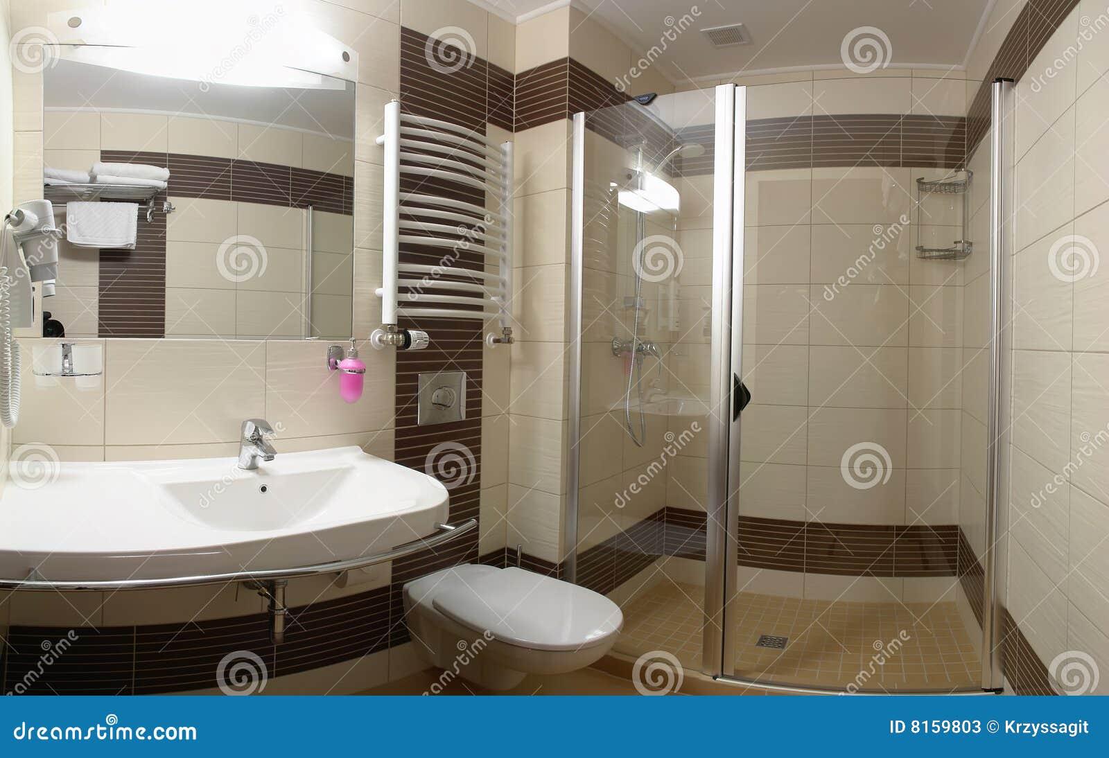 Stanza da bagno moderna lussuosa immagine stock immagine for Stanza da pranzo moderna
