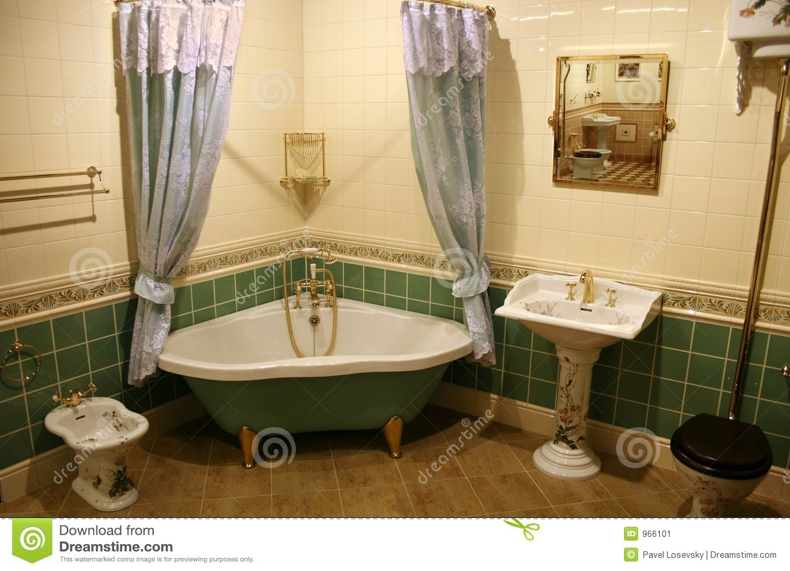 Stanza Da Bagno Verde 2 Immagine Stock - Immagine: 966101