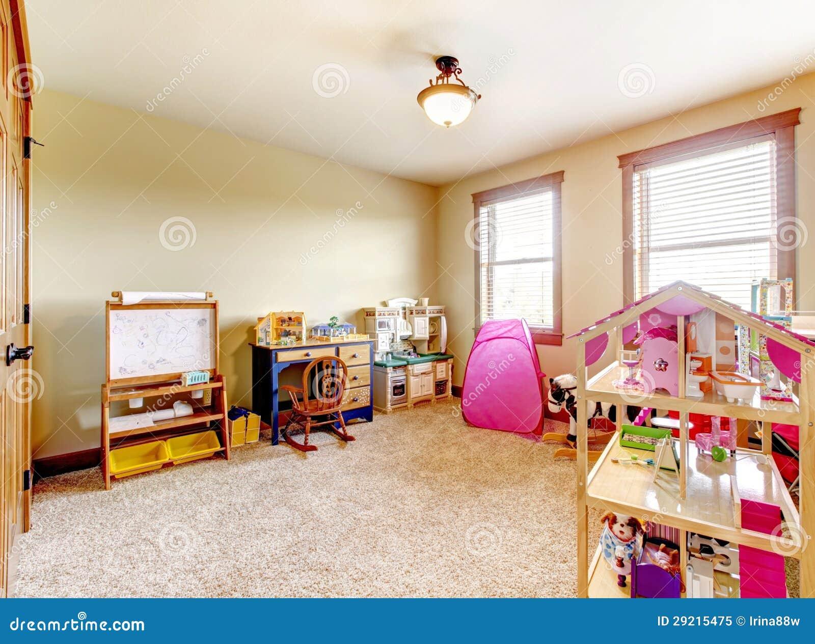 Amazing idee per organizzare i giochi dei bimbi stanze da for Decorare una stanza per bambini
