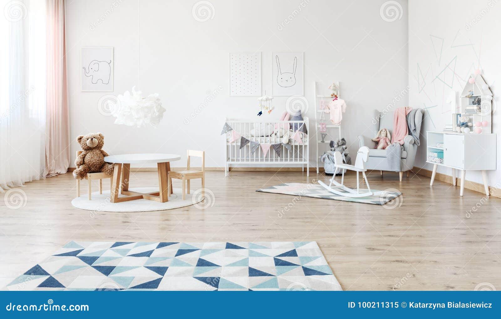 Cavallo A Dondolo Design.Stanza Del S Del Bambino Con Il Cavallo A Dondolo Immagine Stock
