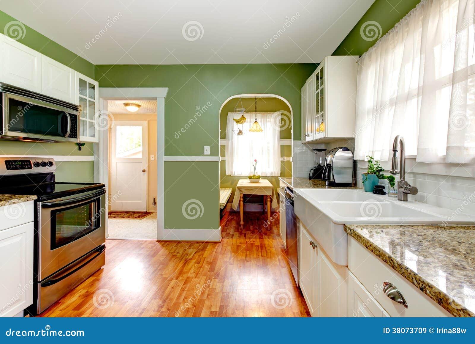 Pareti Della Cucina Verdi : Stanza verde della cucina con area pranzante immagine stock