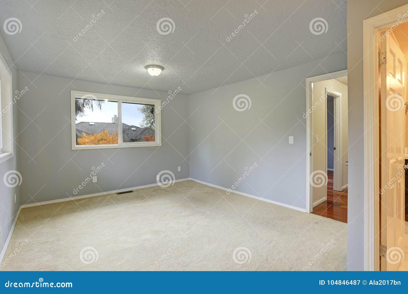 Pareti Beige Chiaro : Stanza vuota con colore blu chiaro della pittura delle pareti
