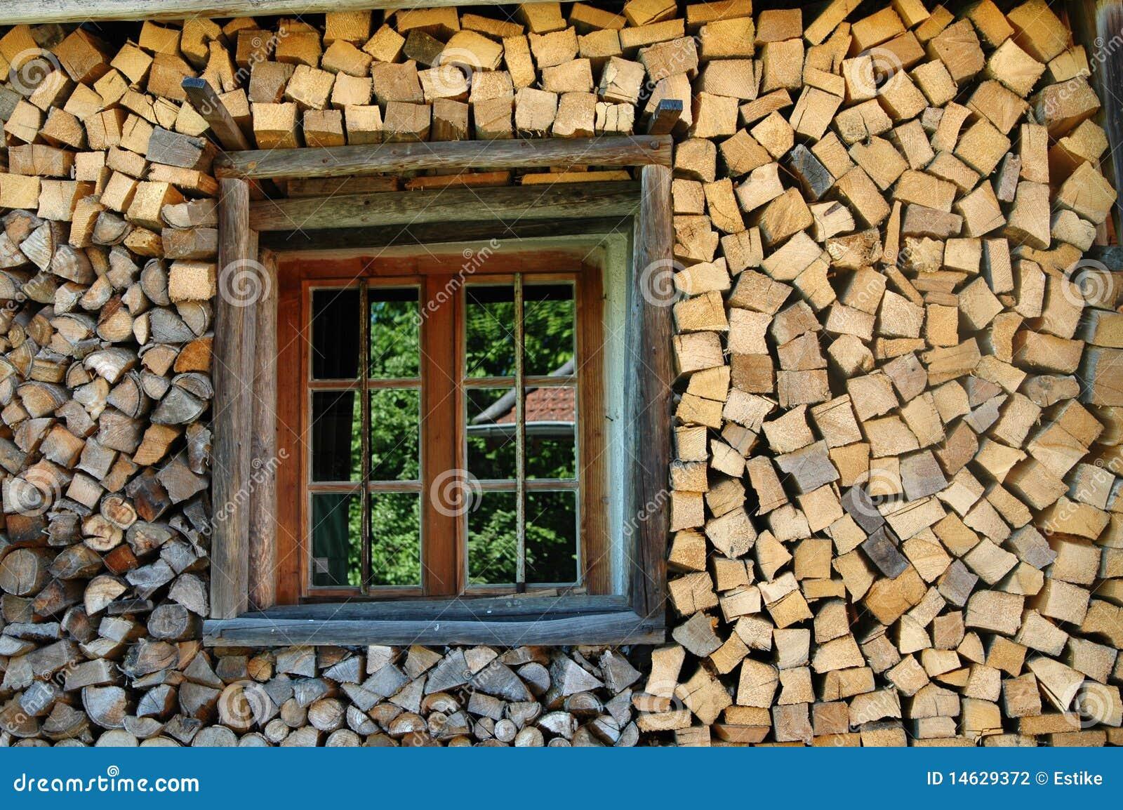 stapel brennholz mit fenster stockfoto bild 14629372. Black Bedroom Furniture Sets. Home Design Ideas