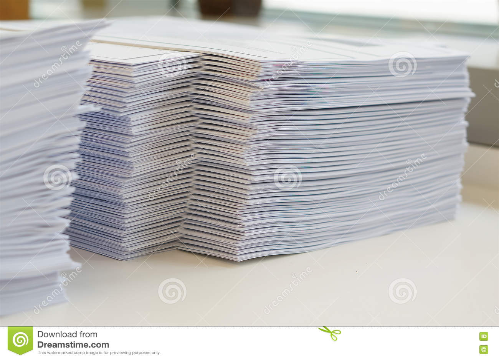 Stapel des Papierarbeitsblattes