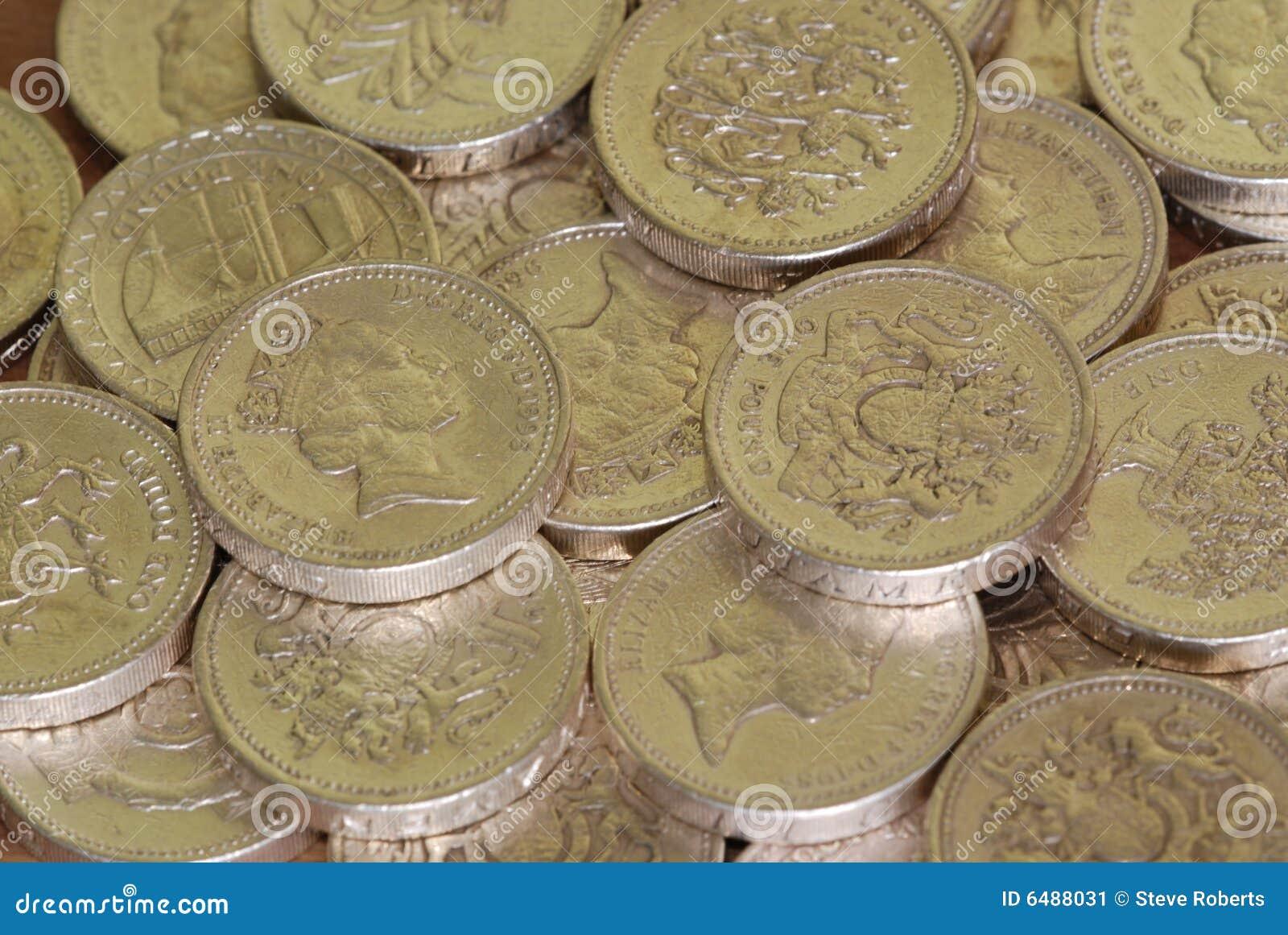 Stapel van Engelse pondmuntstukken