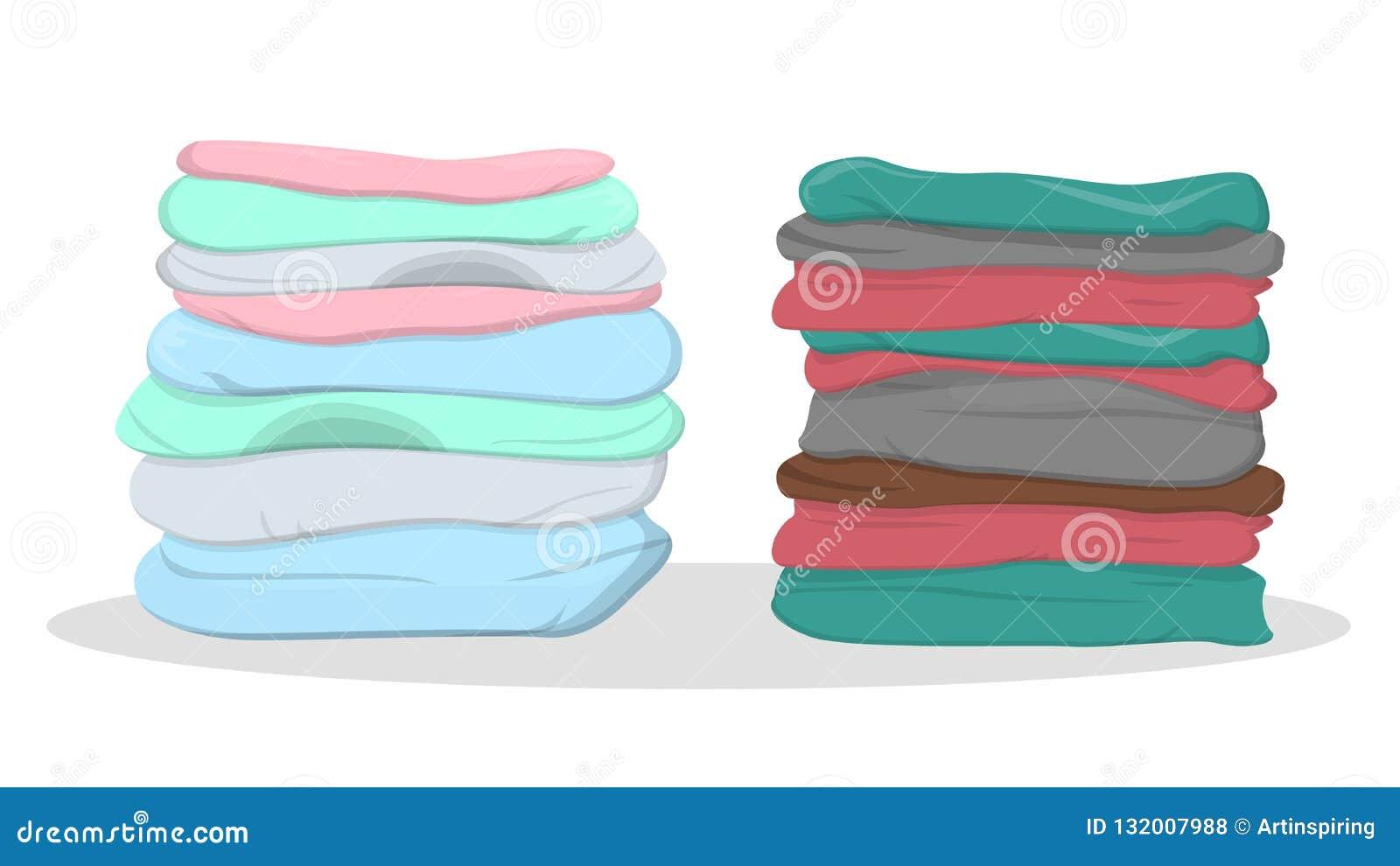 Stapel van kleren van de verschillende kleur