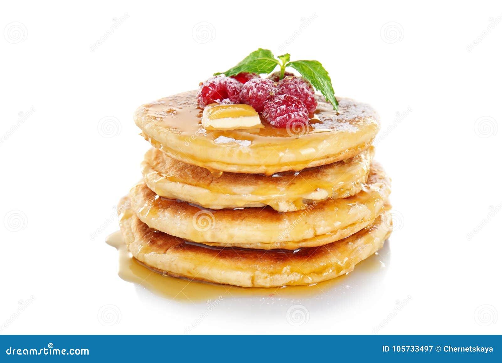 Stapel verse pannekoeken met berrie