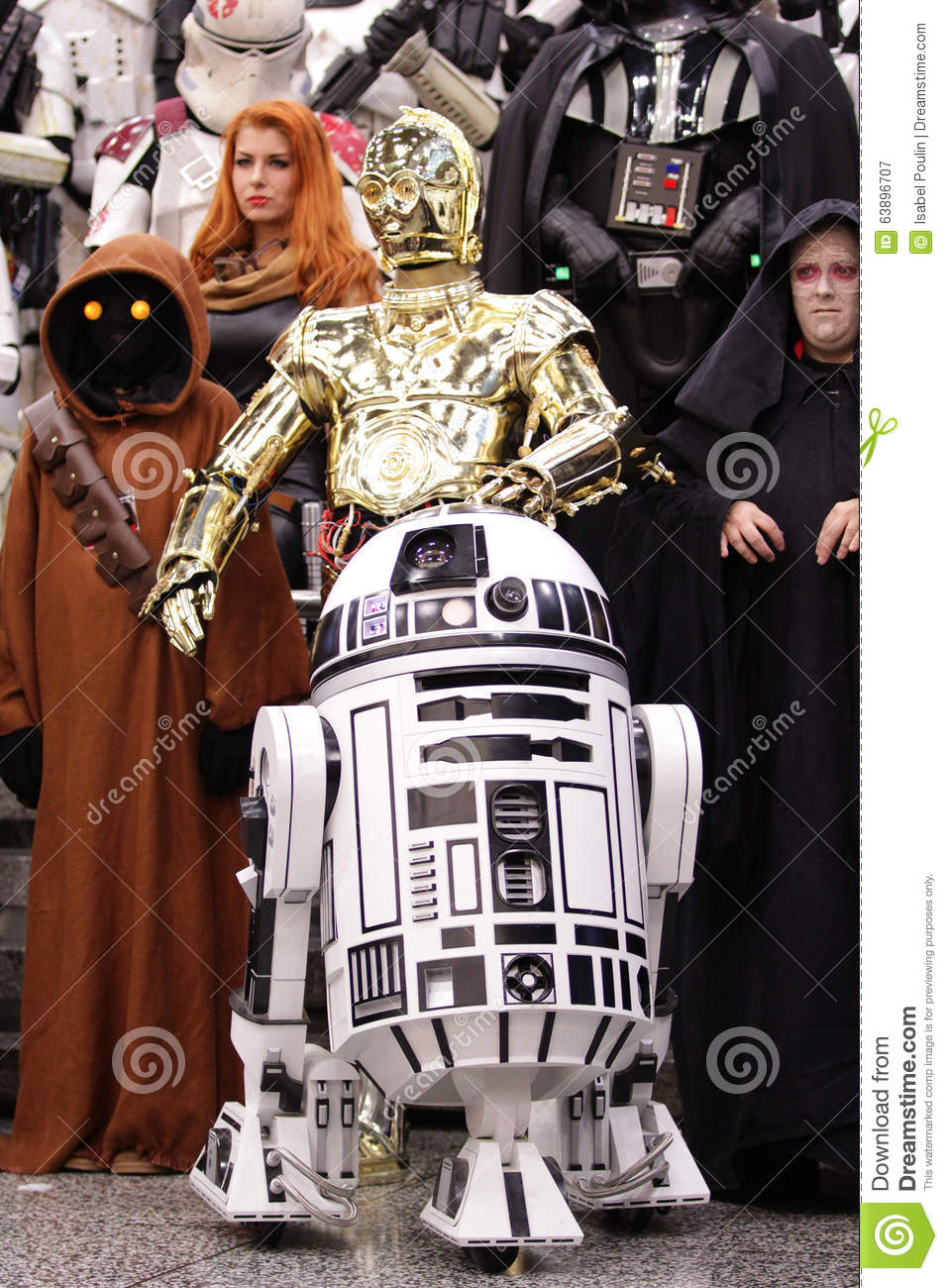 Star wars personnage at comic con in montreal editorial - Personnage star wars 7 ...