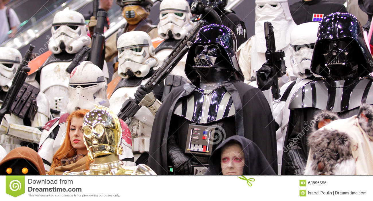 Star wars personnage at comic con in montreal editorial - Personnage de starwars ...