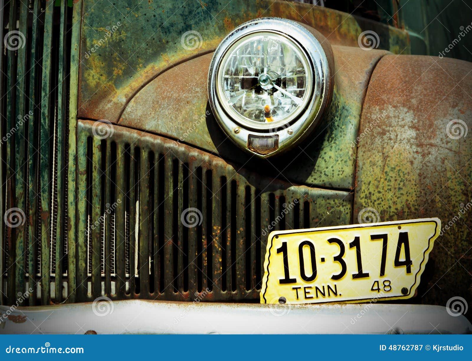 Stara abandonded ciężarówka