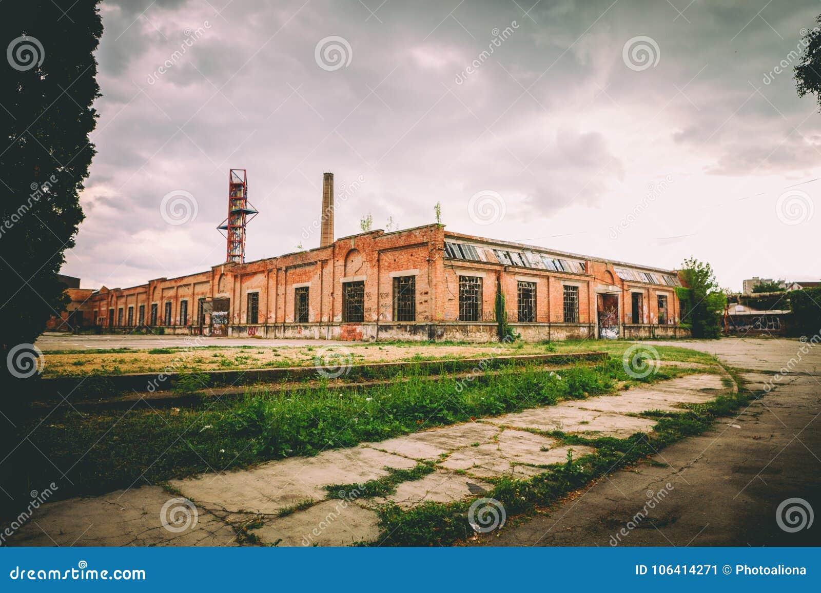 Stara Livnica, arsenal velho de Knezev da fábrica em Kragujevac, Sérvia Construção maravilhosa