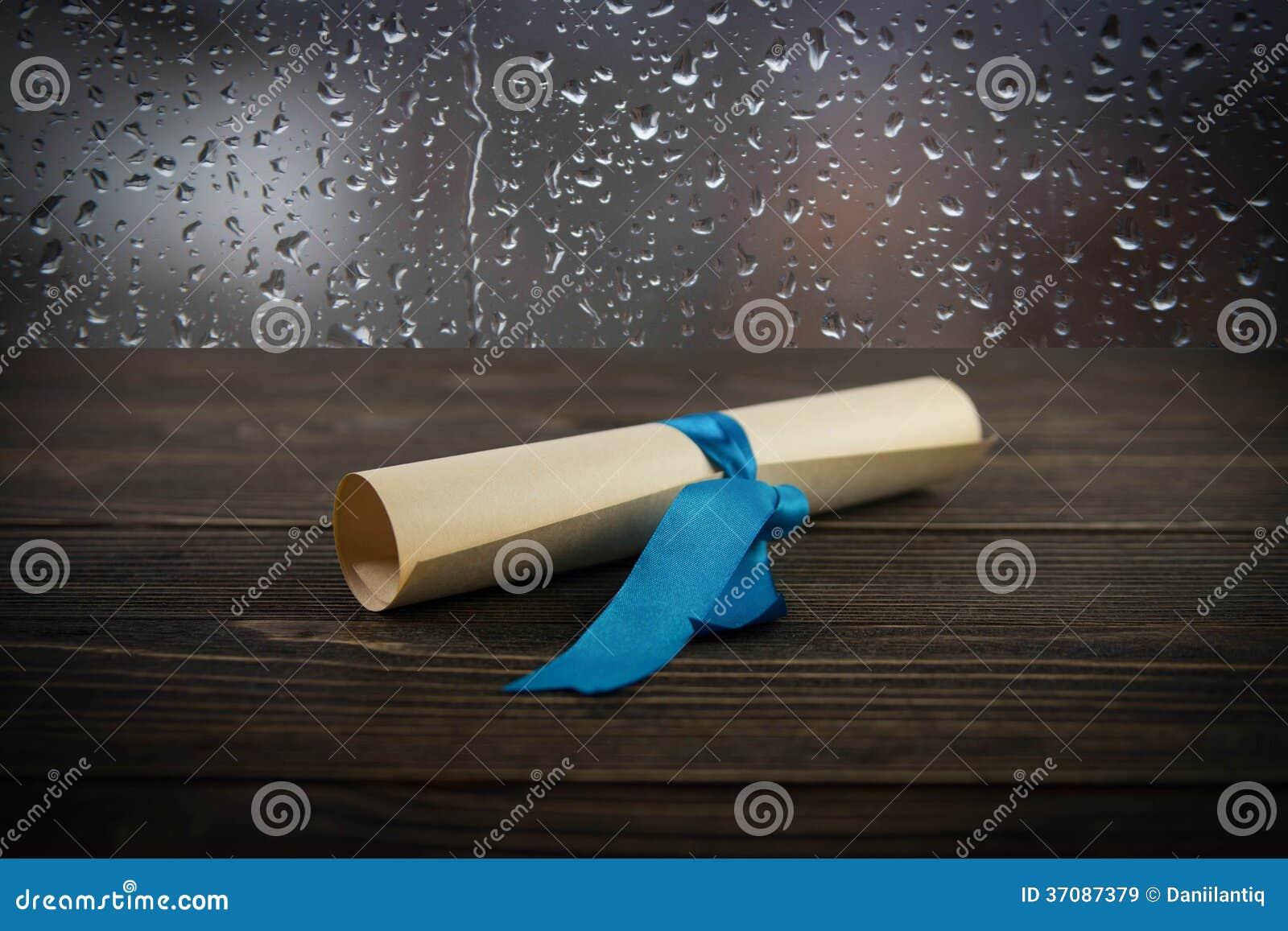Download Stara Rolka Na Drewnianym Tle Obraz Stock - Obraz złożonej z dokument, pusty: 37087379