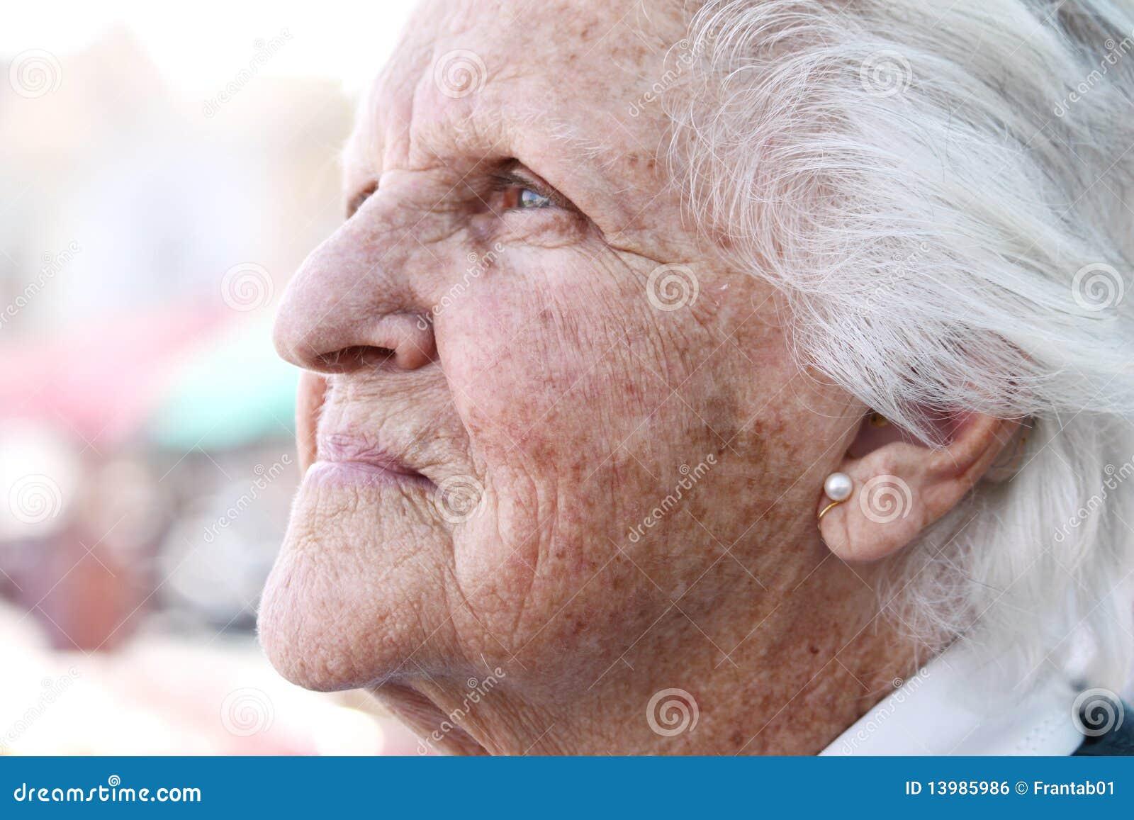 Stara skóra plamiący słońce marszczący