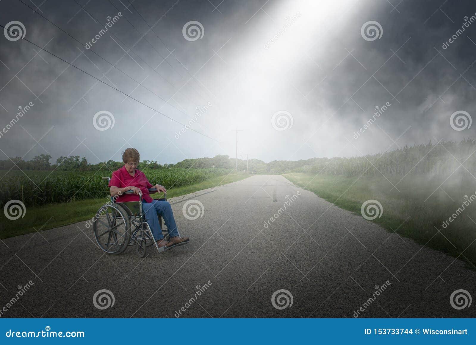 Stara Starsza Starsza kobieta, wózek inwalidzki, Osamotniony, depresja