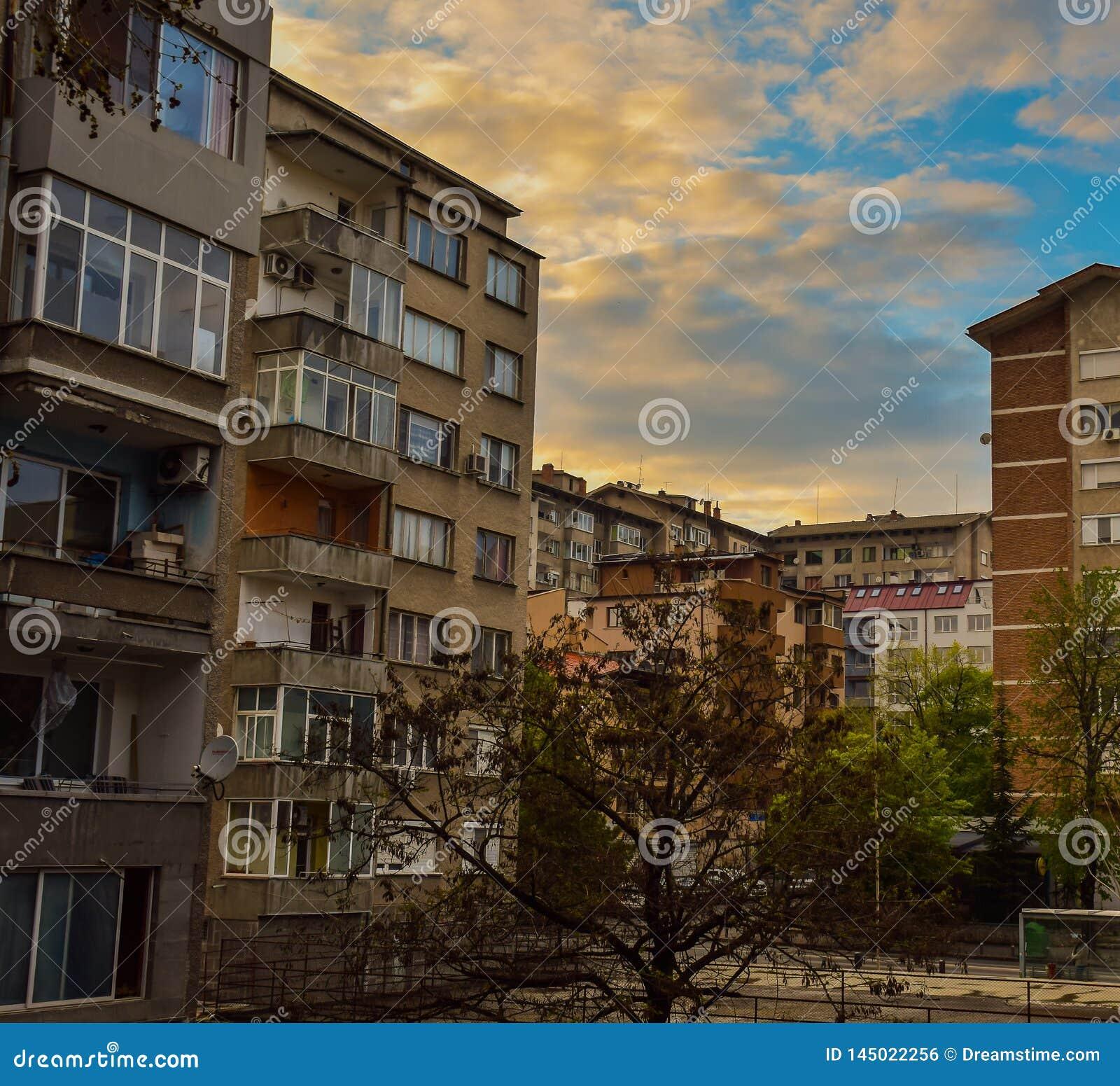 Stara Zagora, Bulgarien, solnedgång över staden, staden