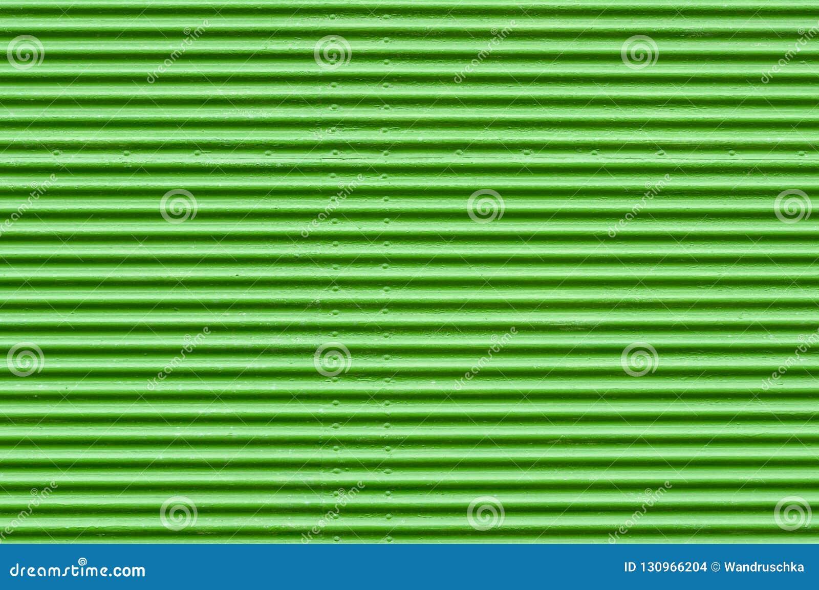 Stara zielona rolkowa żaluzja