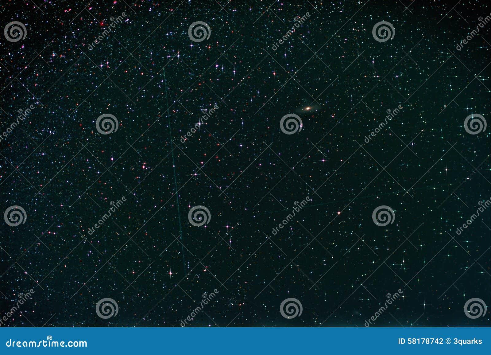 Starfield mit Perseus, Andromeda Galaxy, Milchstraße und dem Fallen