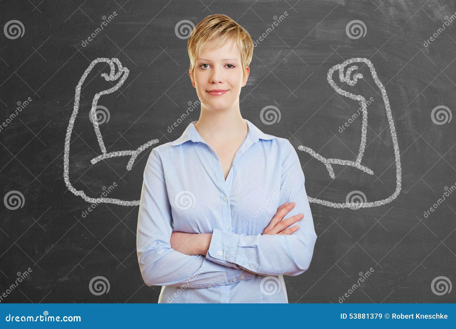 Stark affärskvinna med muskler