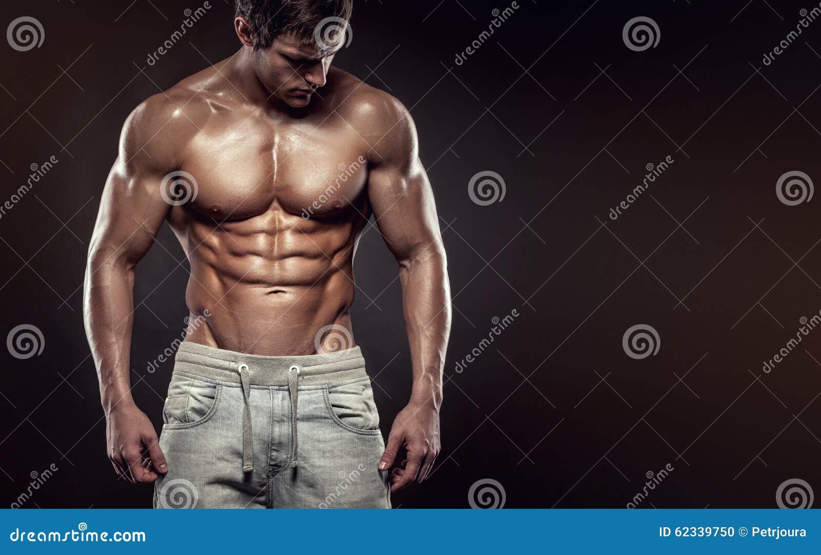 Stark idrotts- mankonditionmodell Torso som visar sex packeabs , c