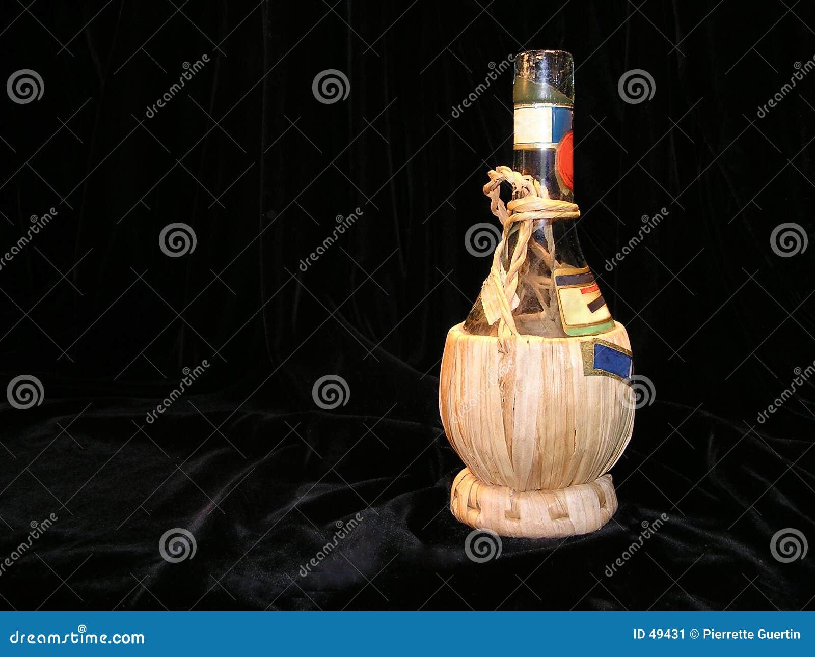 Starożytny butelce chianti
