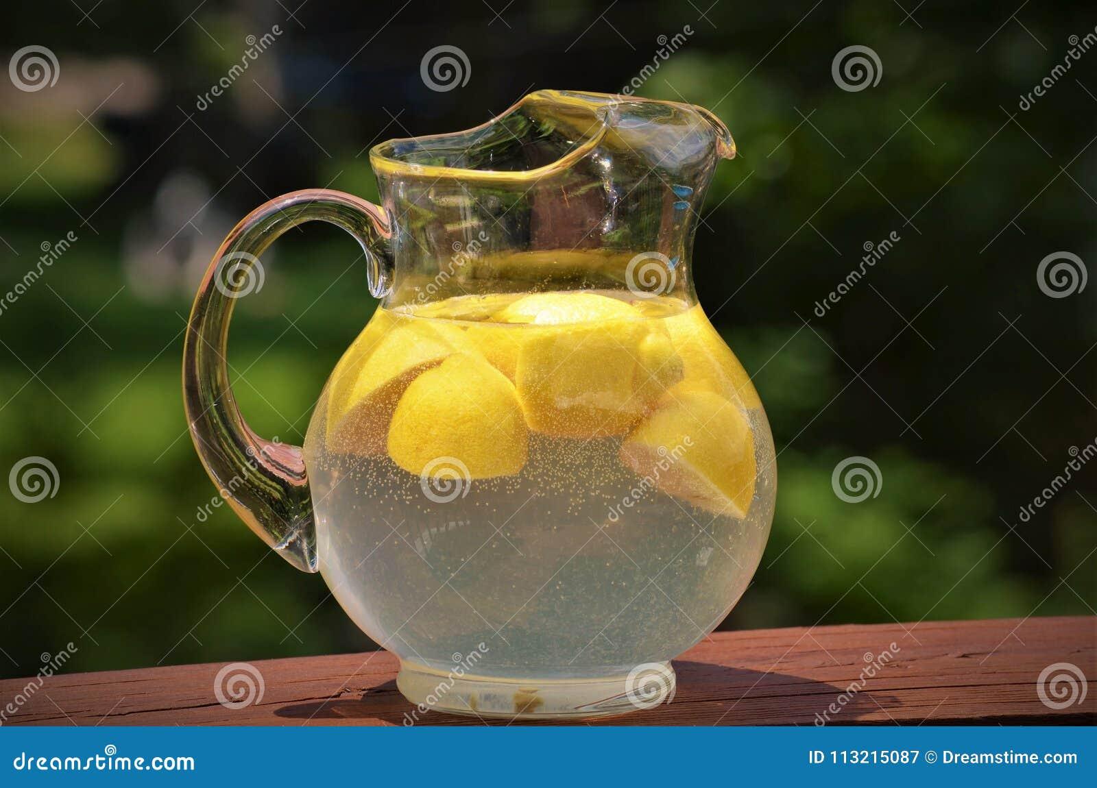 Staromodny miotacz lemoniada