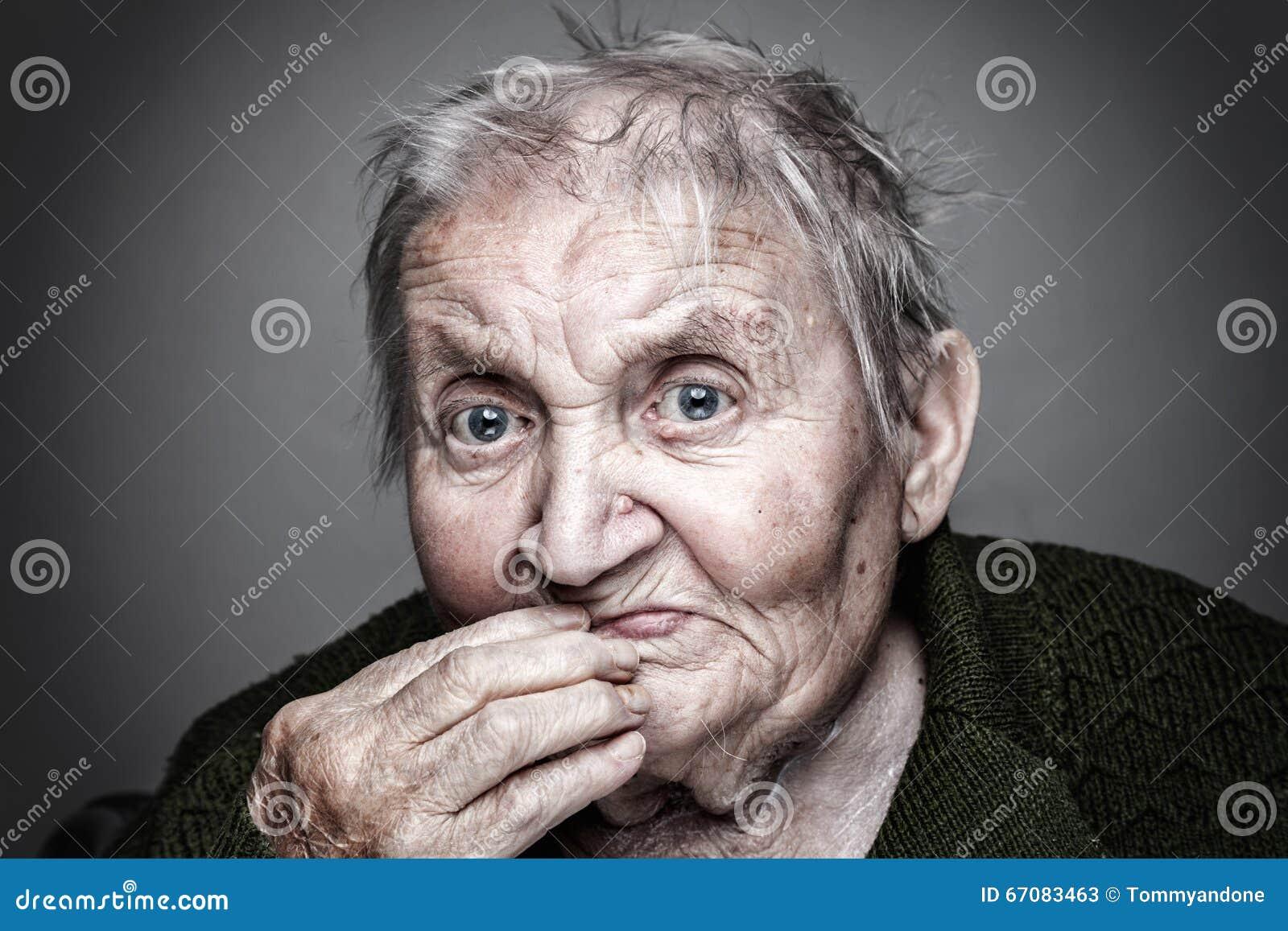Starsza kobieta portret