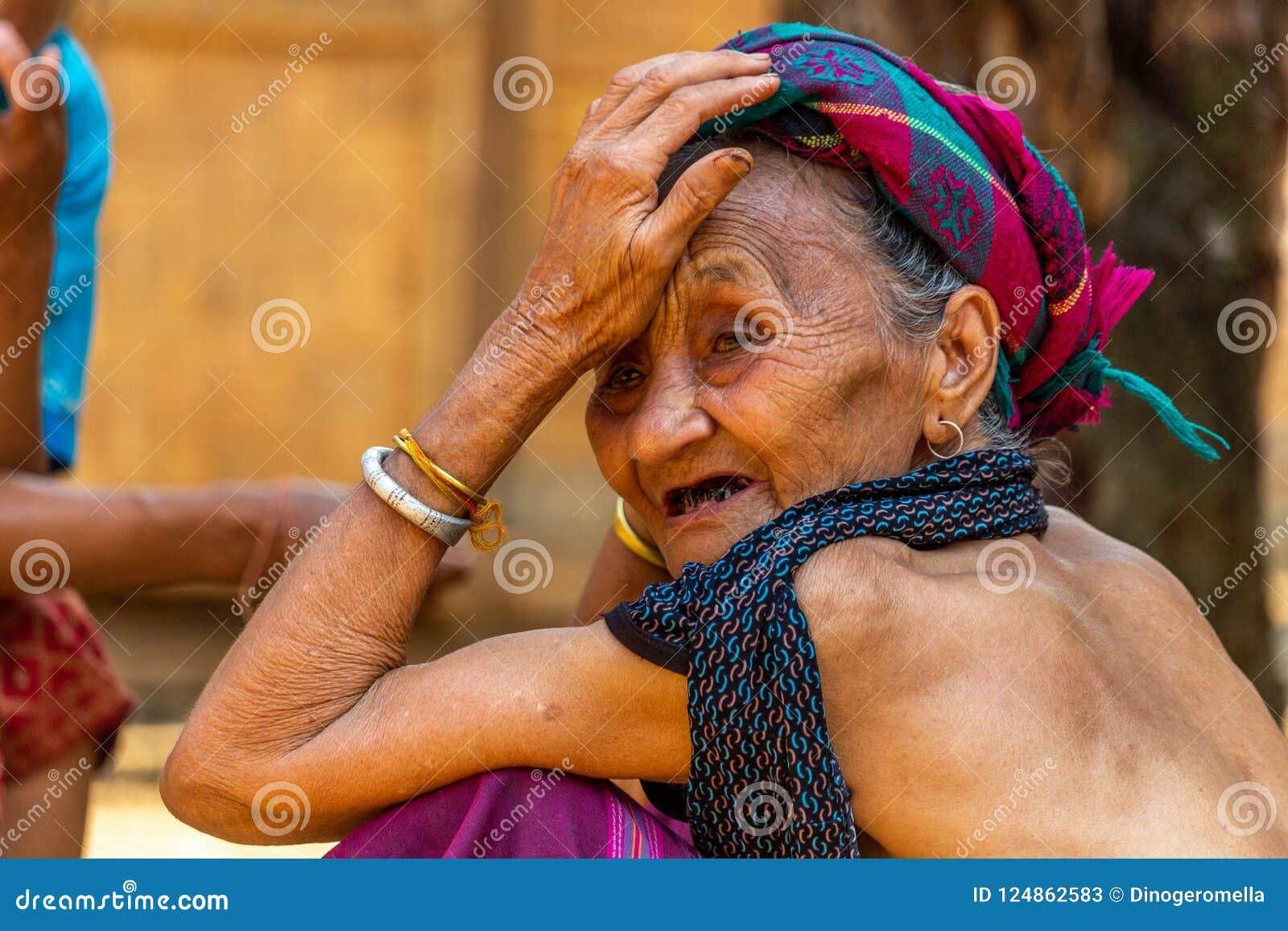 Starsza Lao wioski kobieta