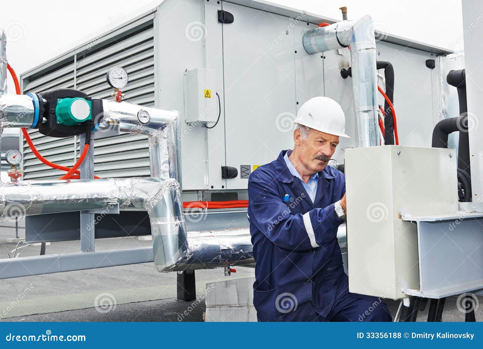 Starszy dorosły elektryka inżyniera pracownik